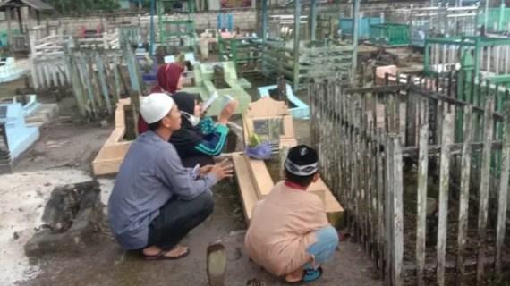 Tradisi Ziarah Kubur Jelang Ramadan, Komplek Pemakaman di Sampit Ramai