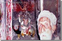सेकुलर गद्दारों द्वारा चलाए गए हिन्दू मिटाओ- हिन्दू भगाओ अभियान की सफलता के परिमामस्वारूप घाटी से विस्थापित हुए हिन्दुओं के 23वें विस्थापन दिवस 19 जनवरी 2012 पर …..जनरल VK Singh ji बचा सकते हो तो बचा लो हमें व हमारे देश को इस लुटेरे,गद्दार, हिन्दूविरोधी-भारतविरोधी सेकुलर गिरोह से….Please…. (5/6)