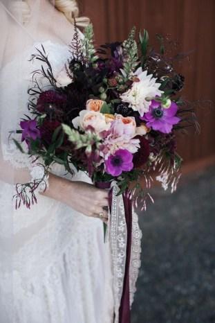 Brautstrauß-violett-boho