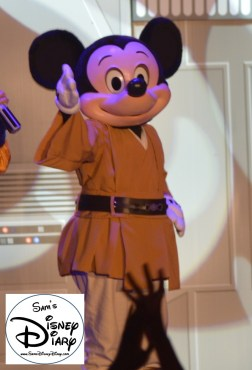 Jedi Mickey making his first appearance on the Hyper Space Hoopla Stage.