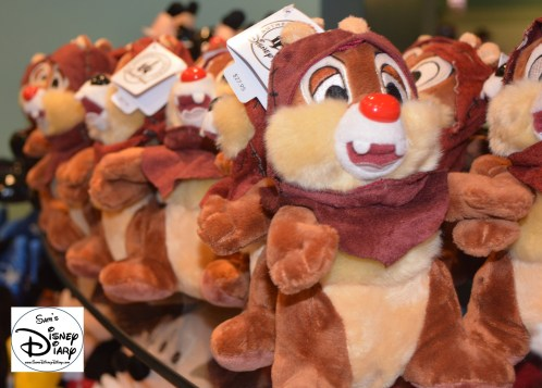 Chip and Dale in Star Wars gear, available around Disney's Hollywood Studios.