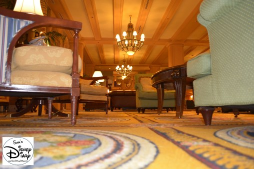The lobby transports you to the turn of the century summer seaside of late 1800s New England. Lots of Sitting Areas and Dark Wood Work, very nice