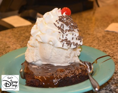 Beaches & Cream: Brownie Sundue