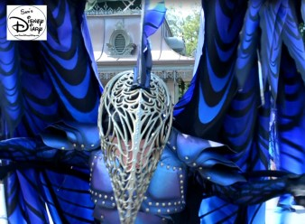 The costumes are incredible, each float has it's own escorts. This is part of the Dragon Unit.