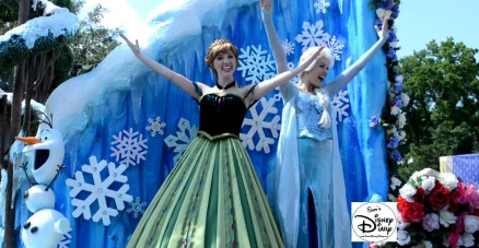 Anna and Elsa, part of the lead float.
