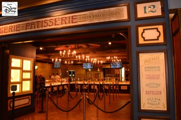 Opening at 9am, Less Halles Boulanderie & Patisserie offer a unique opportunity to visit France before World Showcase Opens at 11am