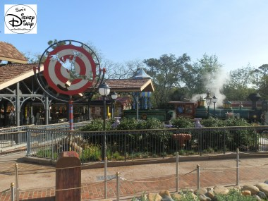 SamsDisneyDiary Episode #10 - New Fantasyland Phase #1- Train Station