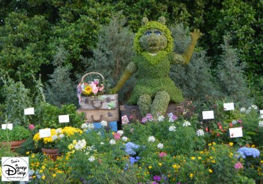 Epcot Flower and Garden Festival - Topiaries - Miss Piggy