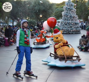 SamsDisneyDiary 82: Disneyland Christmas Fantasy Parade - Tigger and Pooh