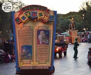 SamsDisneyDiary 82: Disneyland Christmas Fantasy Parade - Santa's Toyland