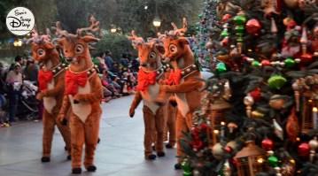 SamsDisneyDiary 82: Disneyland Christmas Fantasy Parade - Reindeer