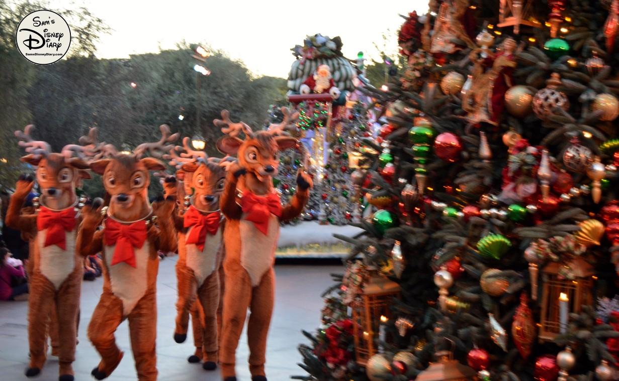 Sdd82 12days7 Disneyland Christmas Fantasy Parade 67