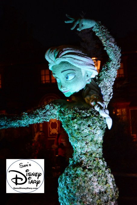 The 2017 Epcot International Flower and Garden Festival - Elsa at night in Norway