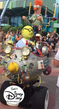 Muppet Mobile Lab - one of the best examples of an immersive experience. (Epcot December 2016)
