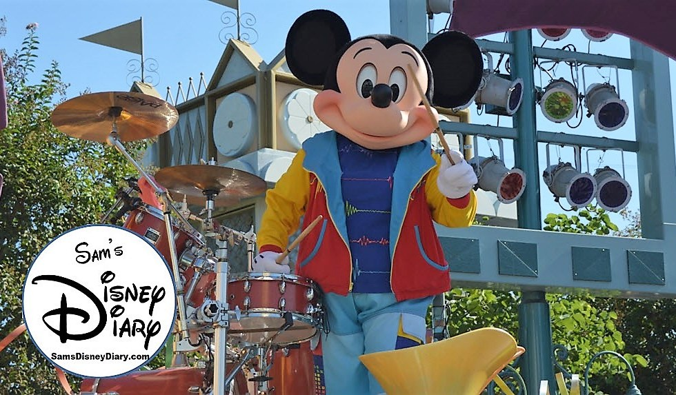 Sams Disney Diary Episode #100 - Disneyland Soundsational Parade