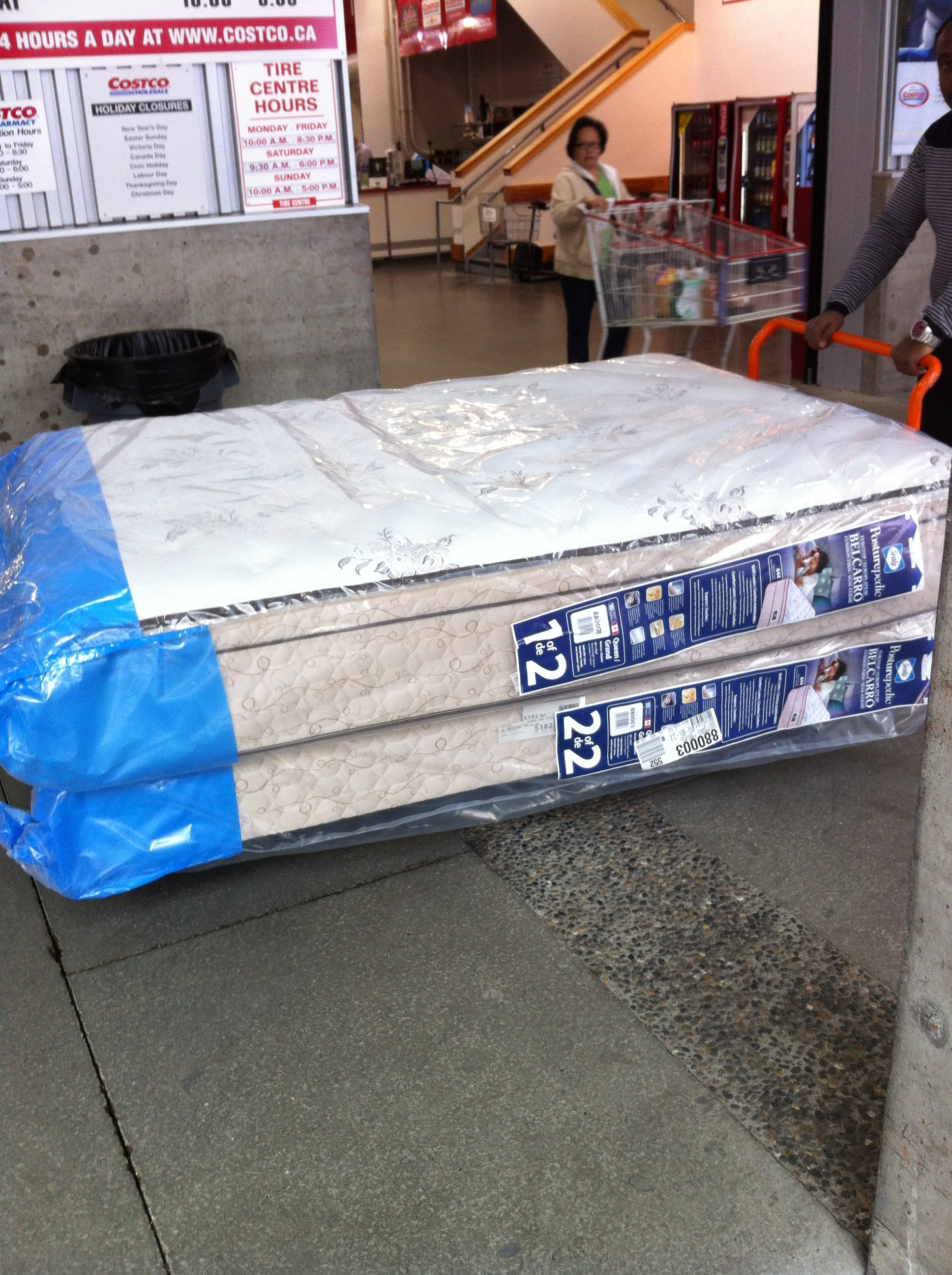 Downtown Vancouver Costco  Queen Mattress And Box Spring