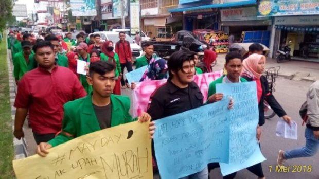 May Day di Aceh!! Liga Mahasiswa Nasional untuk Demokrasi (LMND), Bersama Bem Hukum, Bem Fisip Unimal, SamuderaKepri