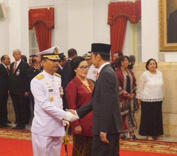 Presiden Sematkan Pangkat Laksamana TNI siwi Sukma Adji, Saat Pelantikan Kasal Baru, SamuderaKepri