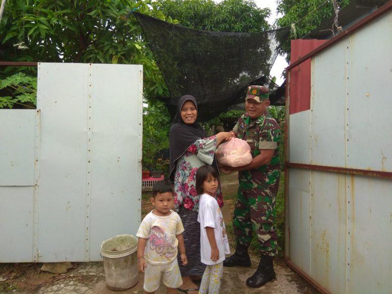Babinsa Kelurahan Baloi Indah Membantu Warga  Yang Kurang Mampu, SamuderaKepri