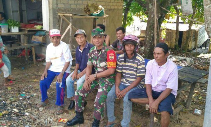 Babinsa Sembulang Melaksanakan Komsos Bersama Warga Tanjung Banun, SamuderaKepri