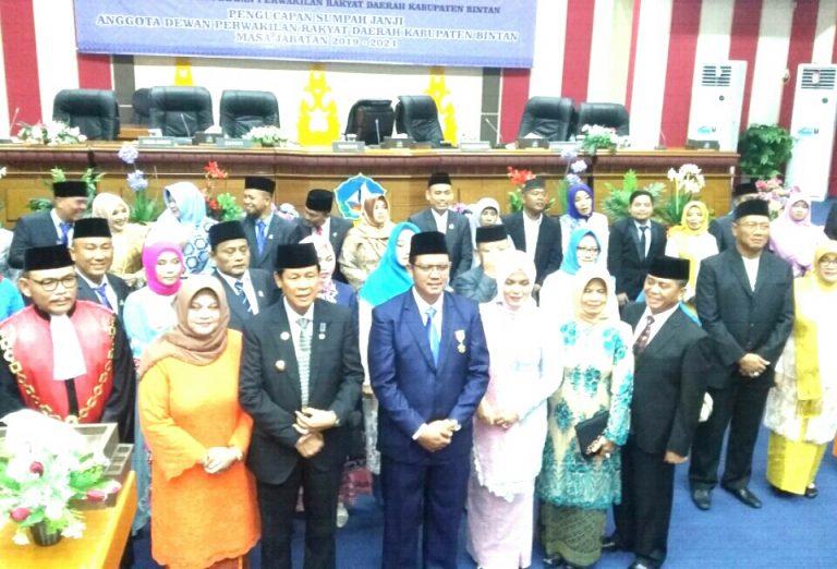 25 Anggota DPRD Kabupaten Bintan Dilantik Priode 2019-2024