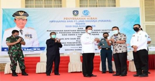SMK Di Kepri Beri Bantuan Masker Dan Hand Sanitizer