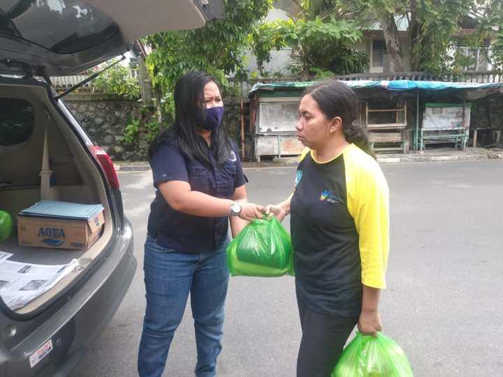 Media Gerbang Nusantara Bagi 100 Paket Sembako Untuk Warga Tanjungpinang, Media Gerbang Nusantara Bagi 100 Paket Sembako Untuk Warga Tanjungpinang, SamuderaKepri