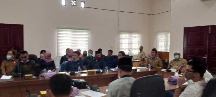 Komisi I DPRD Natuna Menggelar Rapat Evaluasi Peraturan Bupati Nomor 52 Tahun 2019, SamuderaKepri