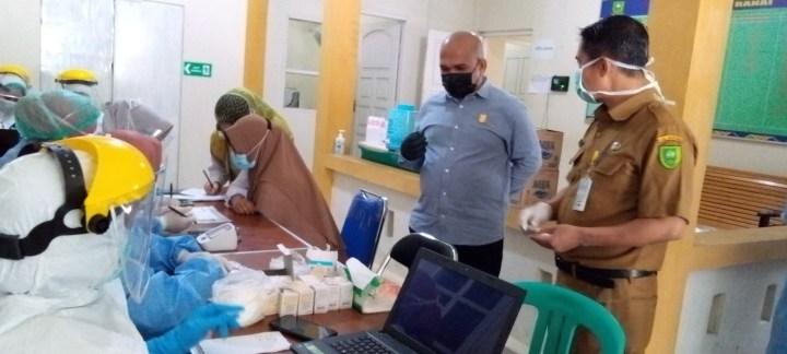 Komisi I DPRD Natuna Pantau Vaksinasi Nakes di Puskesmas  Ranai, SamuderaKepri