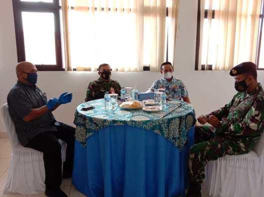 Anggota DPRD Natuna Lakukan Vaksinasi Bersama Elemen Pelayan Publik, SamuderaKepri
