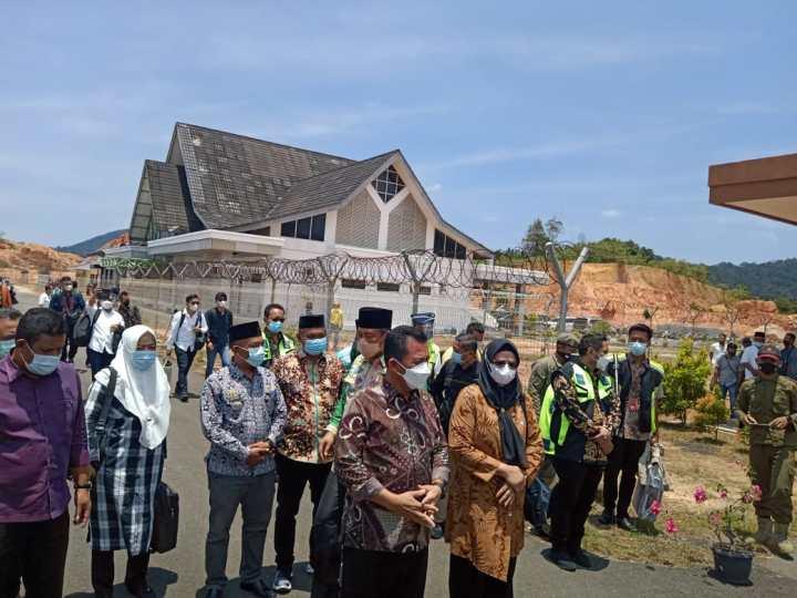 Gubernur Kepri Tiba di Sri Siantan Tarempa Sebelum Mengikuti Musrembang Kabupaten Anambas, SamuderaKepri