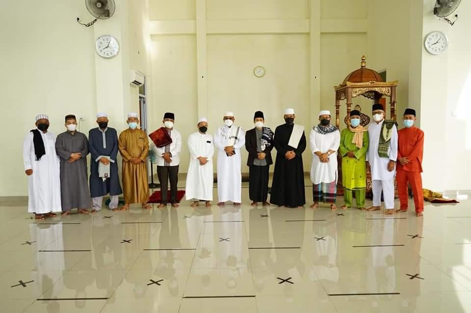 Bupati Karimun Laksanakan Salat Idul Adha 1442 H di Masjid Islamic Center