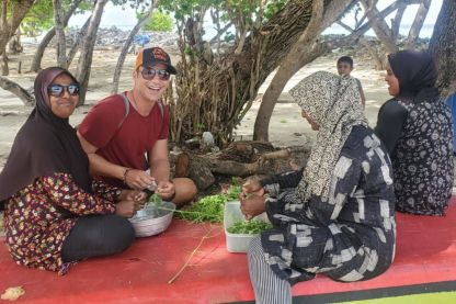 Interact with Locals South Malé Local Island Hopping Trip
