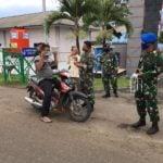 TNI AL Lhokseumawe Bagikan Masker Gratis