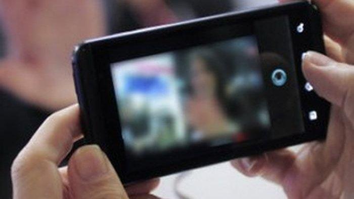 Beredar Foto dan Rekaman Video Call Panas, Diduga Istri Kepala Desa Di Aceh