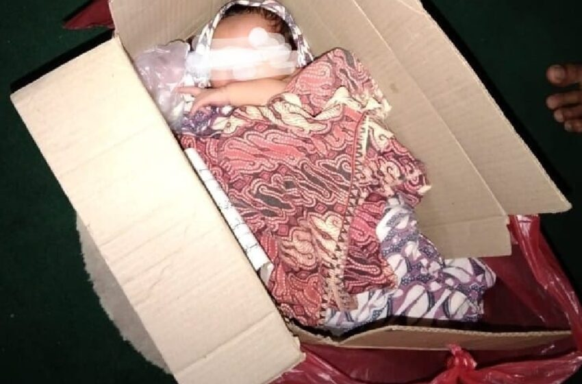 Bayi Dibuang ke Posko Majelis  Pengajian Tauhid dan Ditemukan Ini dalam Kotak