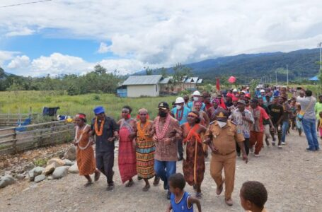 PLN Terangi 6 Desa Terpencil Papua