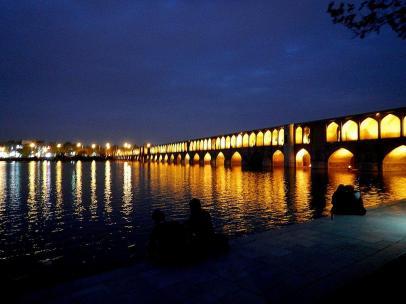 Brücke bei Nacht in Esfahan