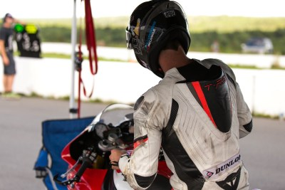 Samuel Trepanier on his BMW S1000RR 2015 sponsored by Elle Skin Perfection
