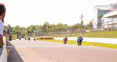 Derrick Whyte and Samuel Trepanier fighting for the lead at Mosport CSBK Rd 6