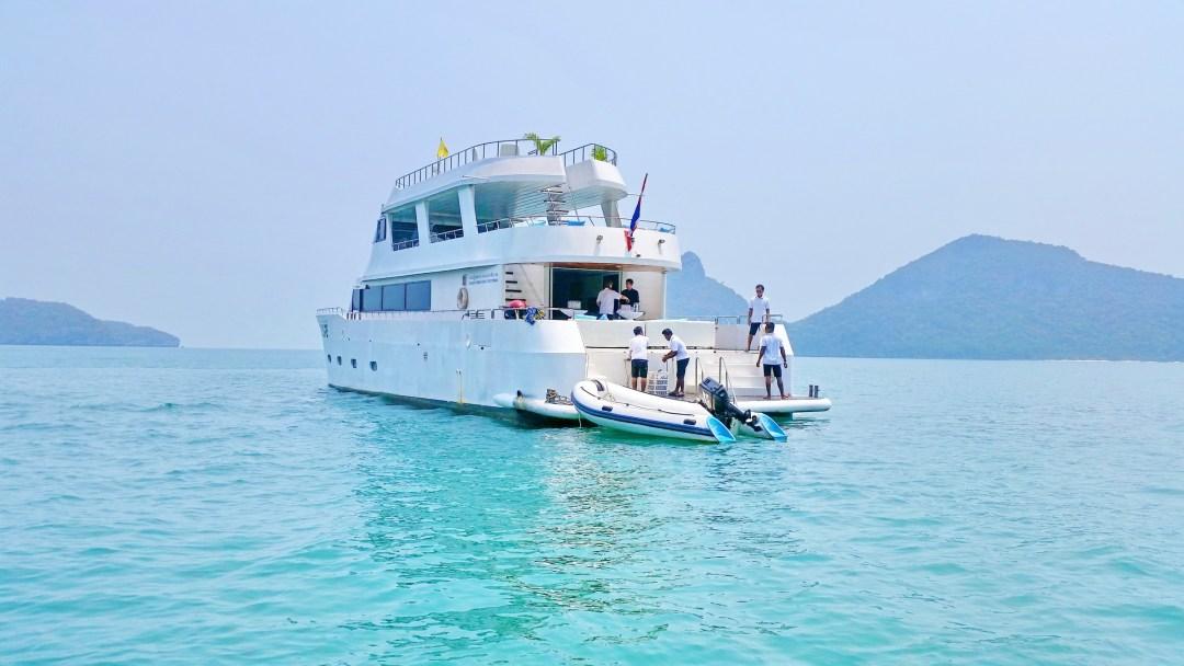 ESCAPE VIP Party Boat