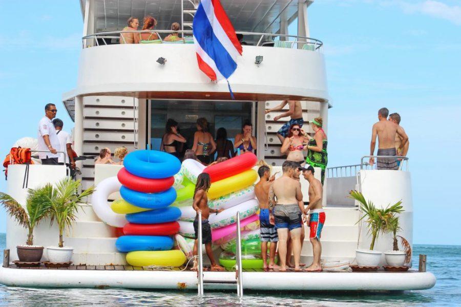 Luxury Motor Yacht 95ft