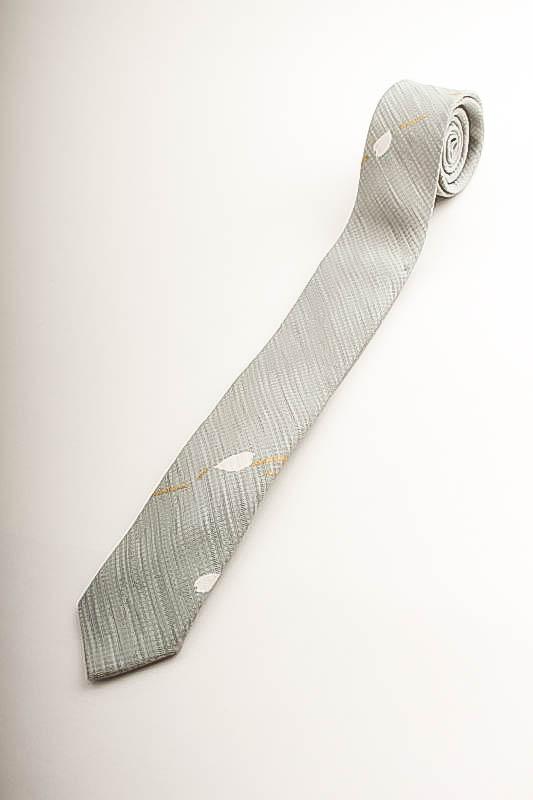 世界で1本 5cmナロータイ 青磁色変り織地模様桜花弁小紋柄  KO10005N