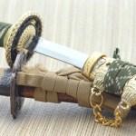 五月人形の刀の飾り方は?紐の結び方や向き・弓の位置関係を解説!