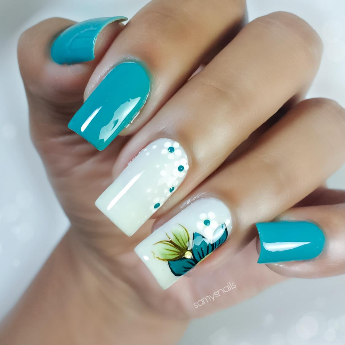Esmalte verde e verão combinam? Saiba como combinar cores e decorações de unha simples.