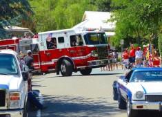 Engine 165 turns onto Main Street in Mokelumne Hill.