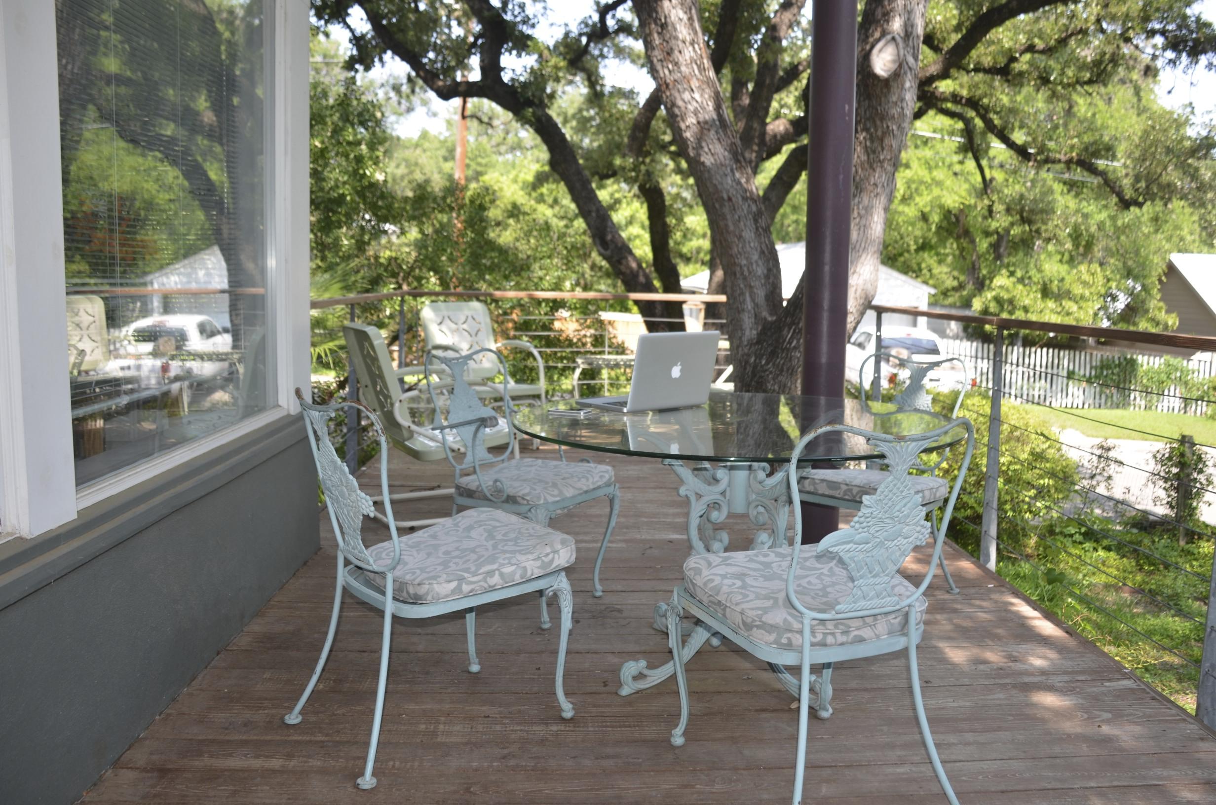 "Chez Weinkrantz in Alamo Heights: Redefining the ""home office."""