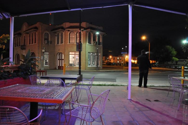Alamo Street Eat Bar on a cold Downtown Tuesday.