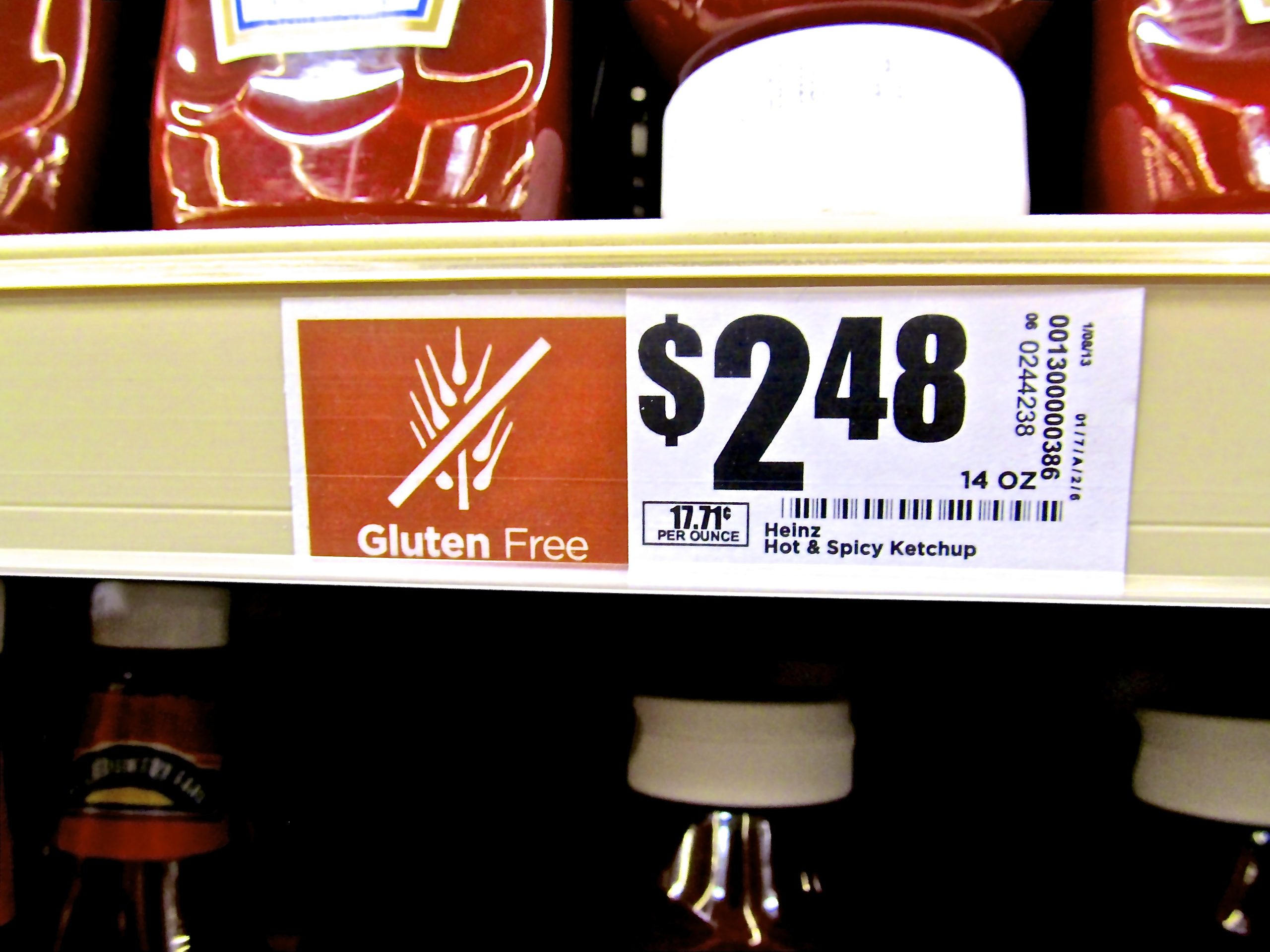 H-E-B's price tags accompanied with healthy notifications.