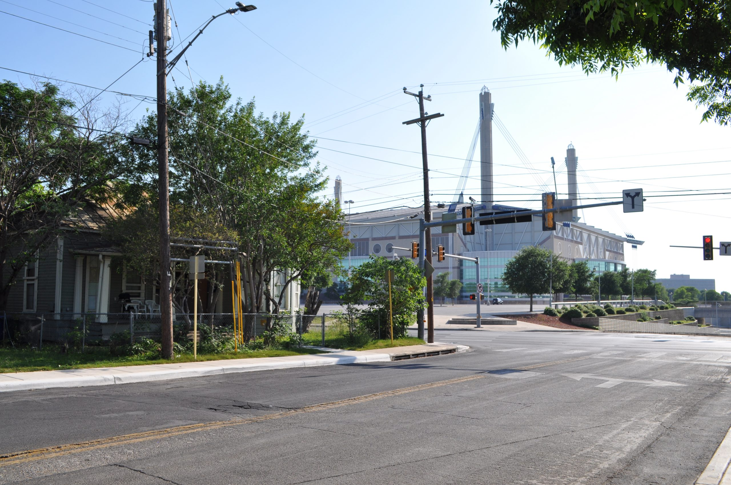 A Westside neighborhood just across Cherry Street from the Alamodome. Photo by Iris Dimmick.